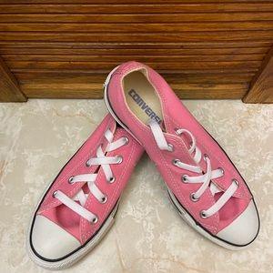 Converse size 6- NWOT